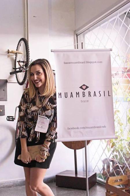 Lígia, nossa entrevistada, no bazar Muambrasil da Copa, em agosto de 2014.