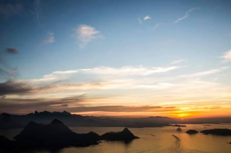 Outra fotografia do Leonardo de um pôr do sol no Rio de Janeiro.
